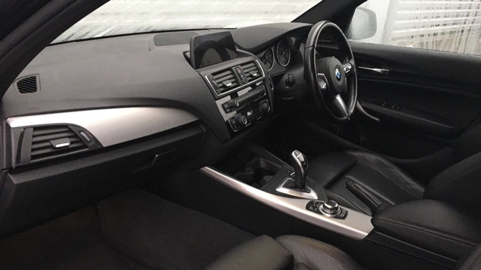 Image 5 - BMW M140i 5-door (MF17NPO)