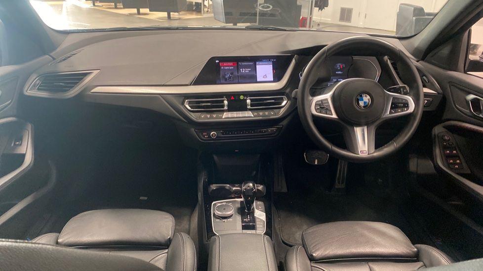 Image 4 - BMW 118i M Sport (YK69JDM)