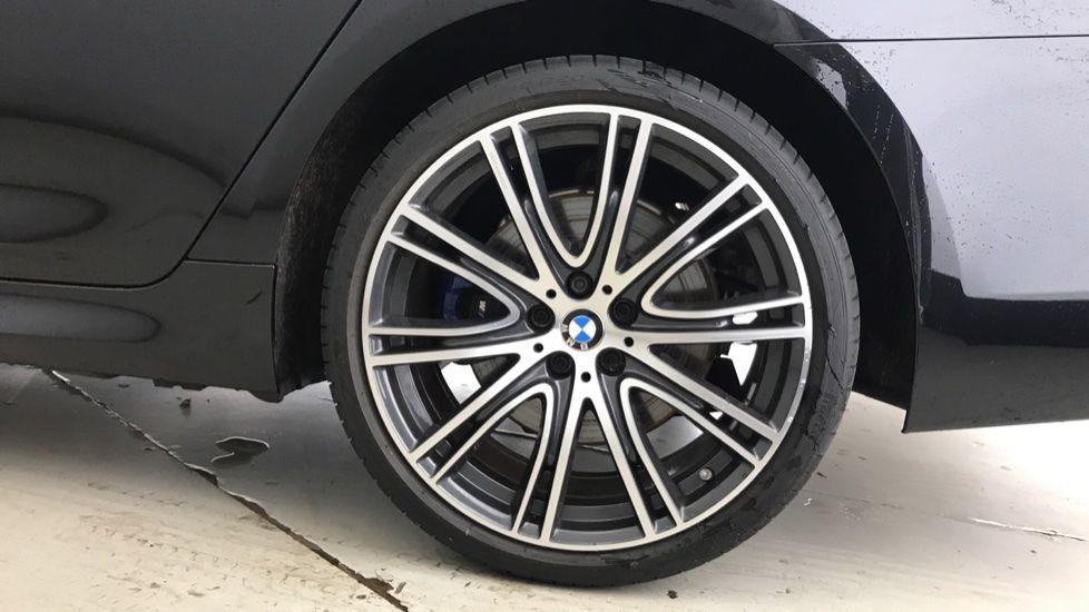 Image 14 - BMW 530e M Sport iPerformance Saloon (YC19ZYW)