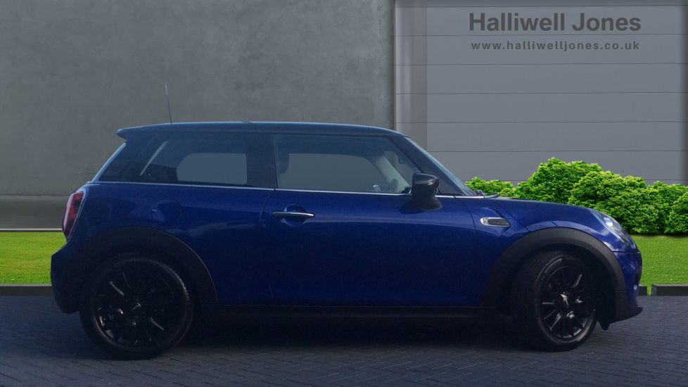 Image 3 - MINI Hatch (YH69JOU)
