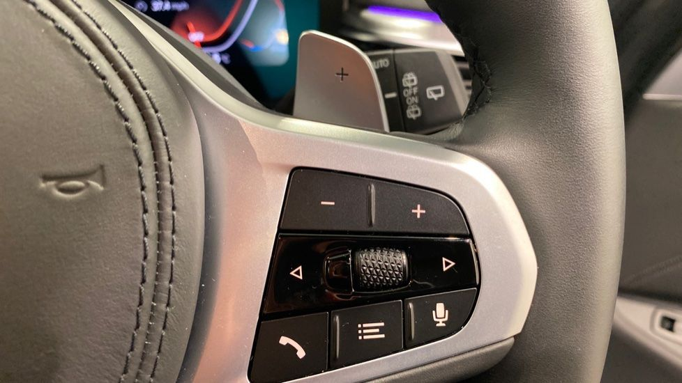 Image 9 - BMW 520d M Sport Touring (DE70OYW)