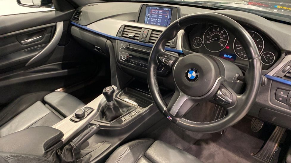 Image 4 - BMW 320d M Sport Saloon (YH13XCG)