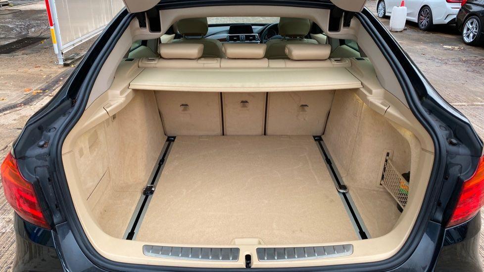 Image 13 - BMW 320d Luxury Gran Turismo (MX64WDM)