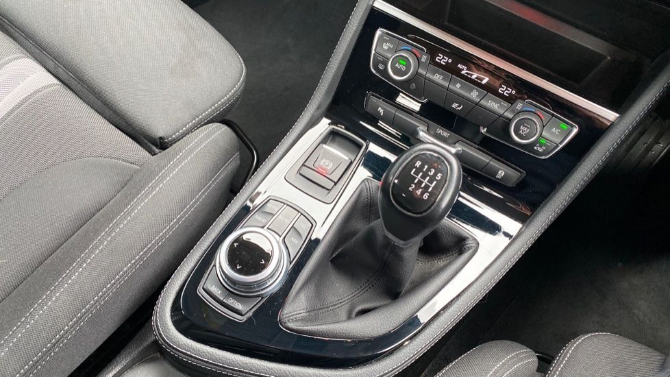 Image 10 - BMW 218i Sport Active Tourer (ML66AYW)