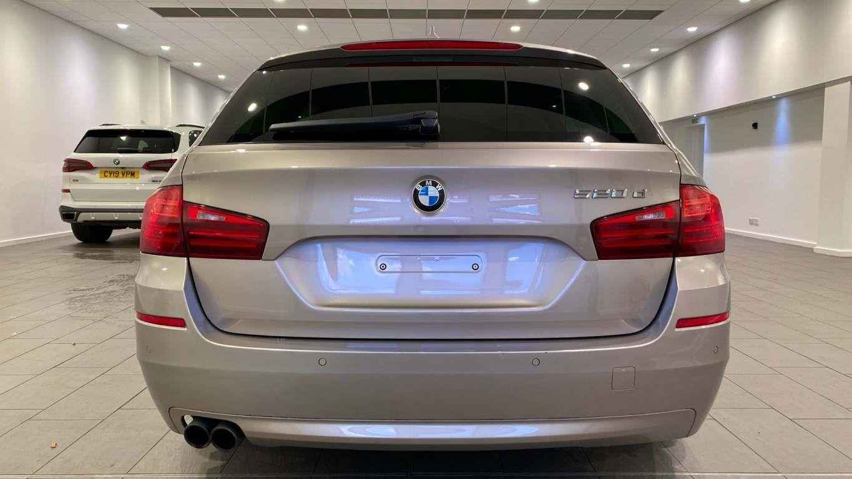 Image 15 - BMW 520d SE Touring (CY16SXZ)