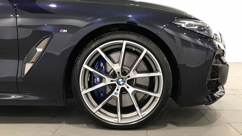 Image 14 - BMW M850i xDrive Convertible (YC69FNL)