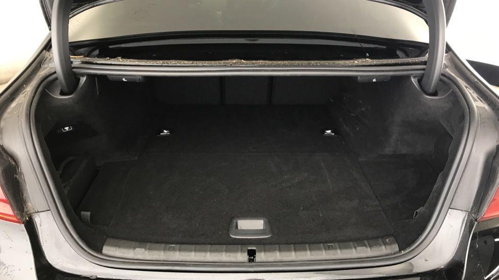 Image 13 - BMW 530e M Sport iPerformance Saloon (YC19ZYW)