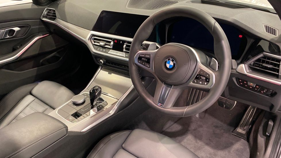 Image 4 - BMW 2.0 330i M Sport Touring Auto (s/s) 5dr (DA20OEK)