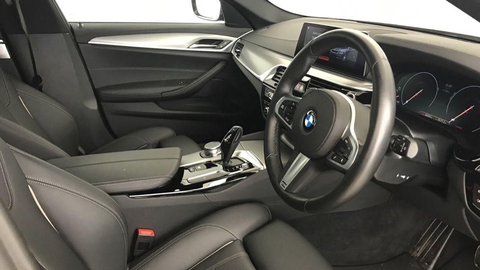 Image 5 - BMW 520d M Sport Touring (YL69UCE)