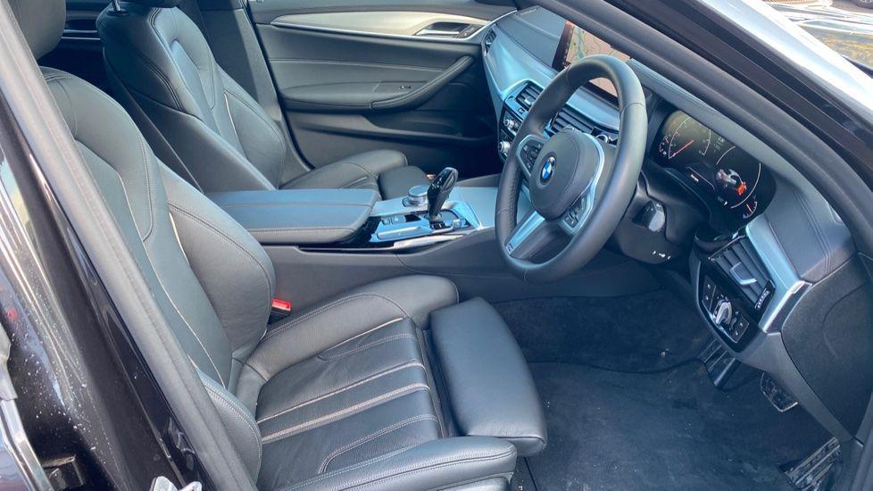 Image 11 - BMW 520i M Sport Saloon (YK69GDN)