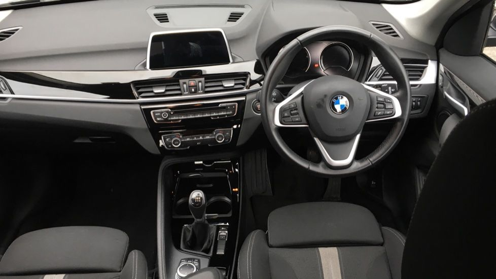 Image 11 - BMW sDrive18i Sport (ML19ZZU)