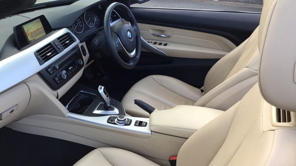 Image 5 - BMW 420i SE Convertible (GN17PCY)