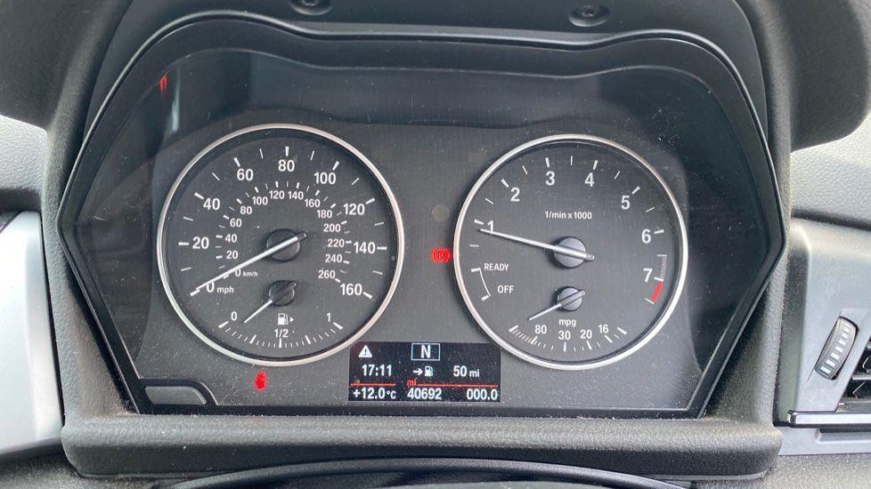 Image 9 - BMW 218i SE Active Tourer (DC66GVL)