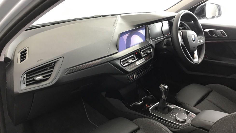 Image 6 - BMW 118i Sport (YF69NZU)