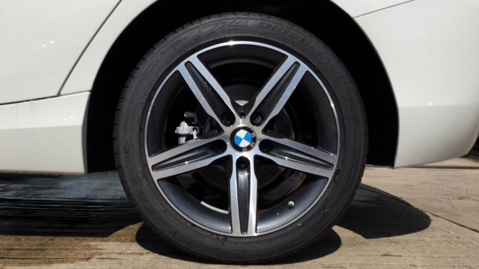 Image 4 - BMW 118d Sport 5-door (MP19DSU)