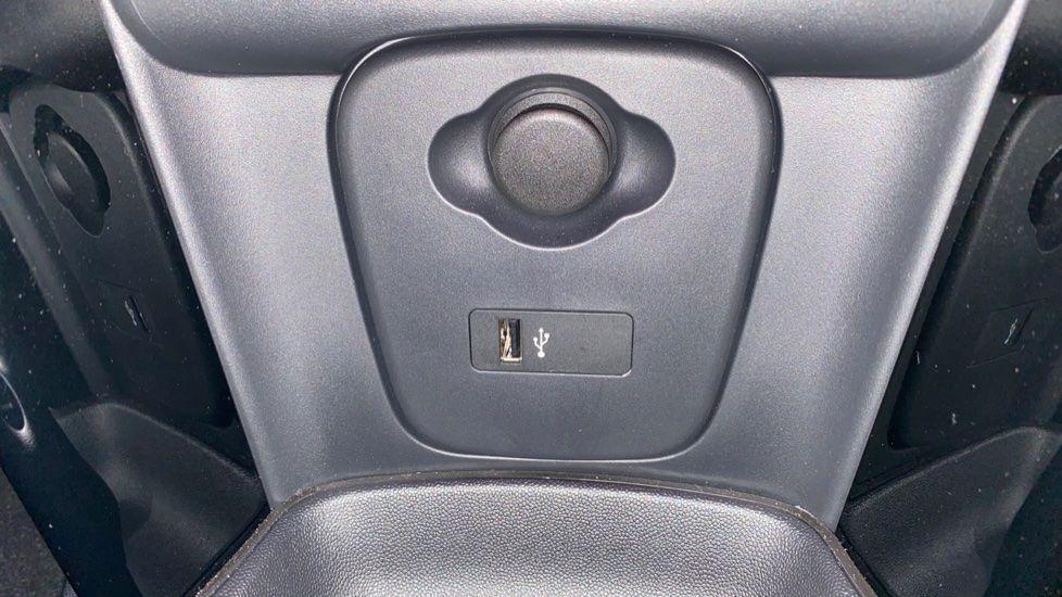 Image 22 - MINI Hatch (YG69GMV)