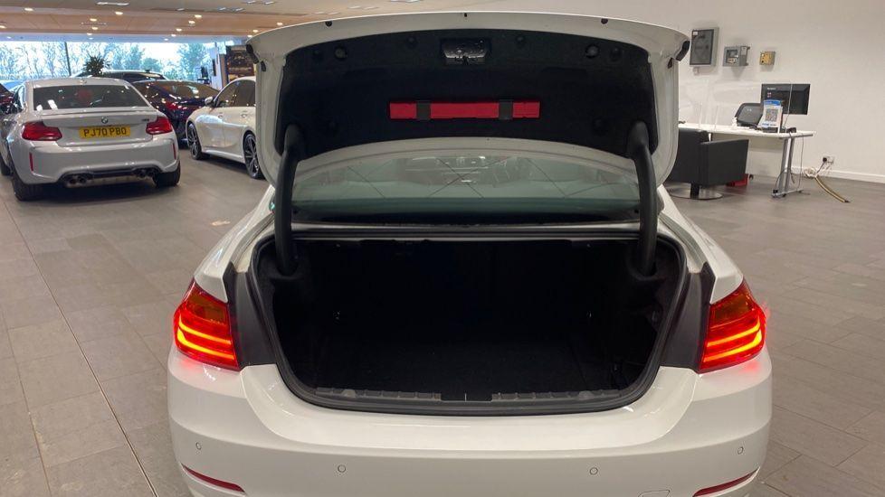 Image 13 - BMW 420i xDrive SE Coupe (PE17MVF)