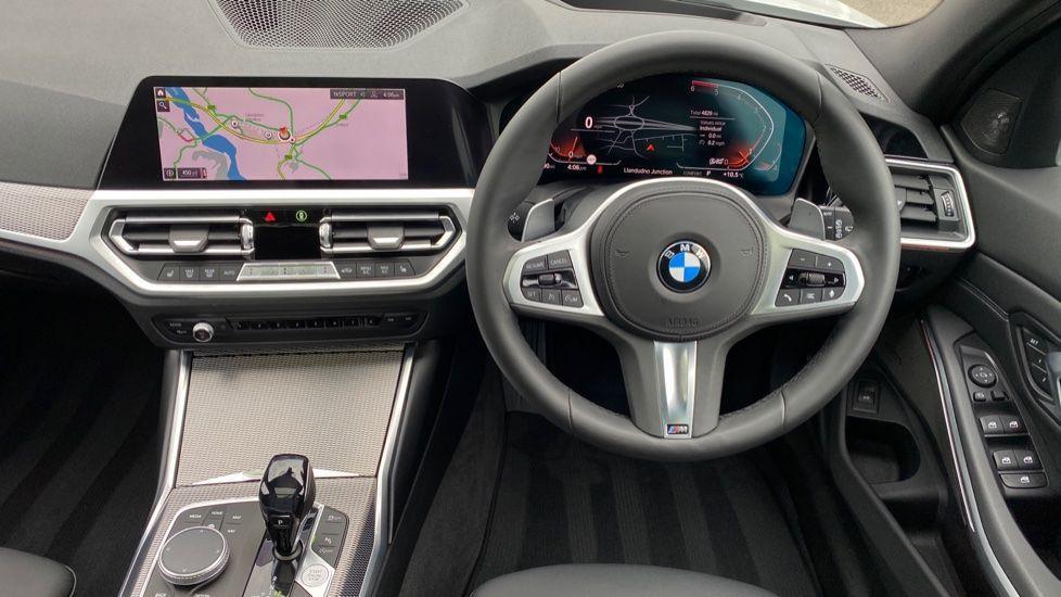 Image 8 - BMW 330d xDrive M Sport Touring (YB69FNC)