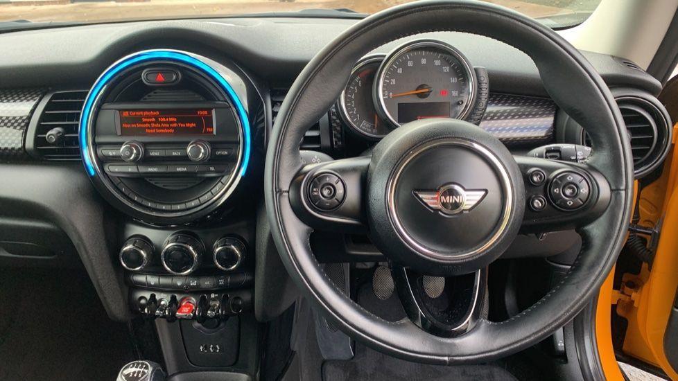 Image 8 - MINI Hatch (CX66GVA)