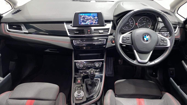 Image 4 - BMW 218d Sport Gran Tourer (DA16SXW)
