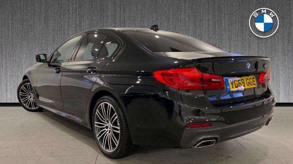 Image 2 - BMW 520i M Sport Saloon (YG69GGE)