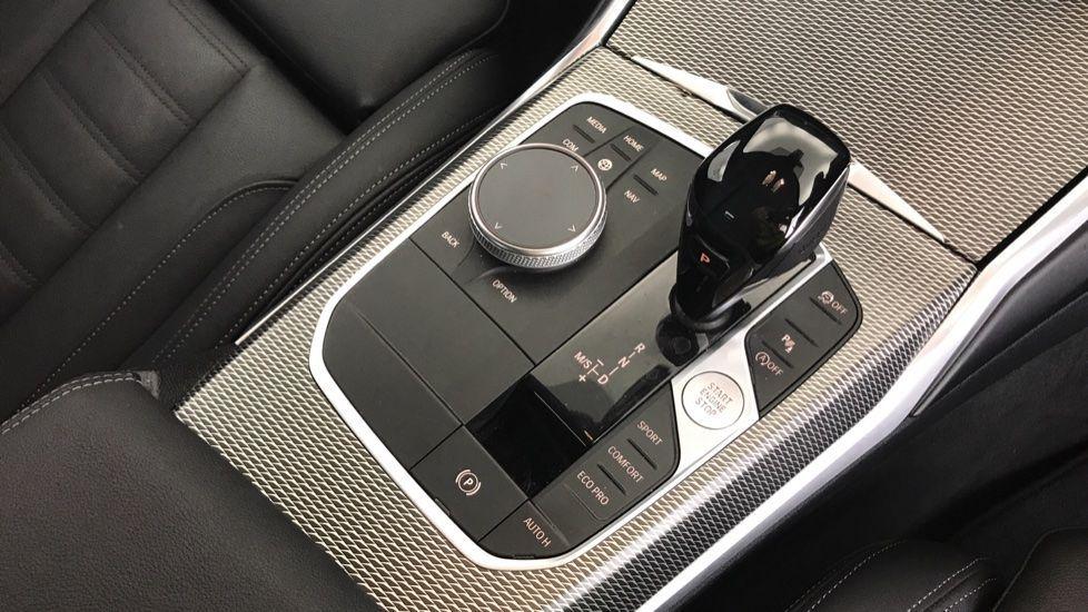 Image 10 - BMW 320d M Sport Saloon (YA69AWP)