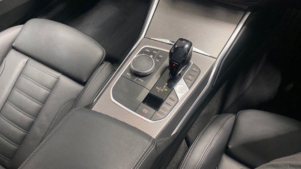Image 10 - BMW 320i M Sport Saloon (YG20LFU)