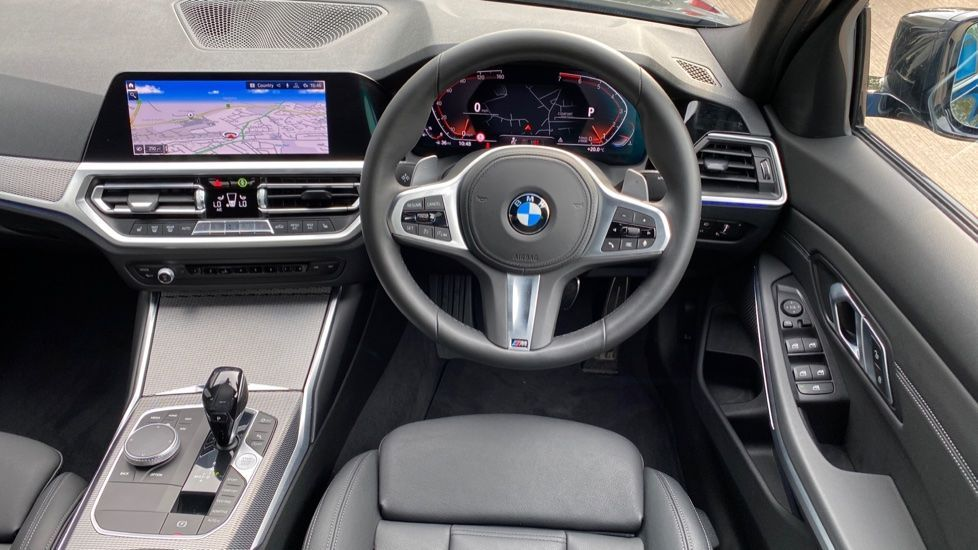 Image 8 - BMW 320i M Sport Saloon (YH20FLJ)
