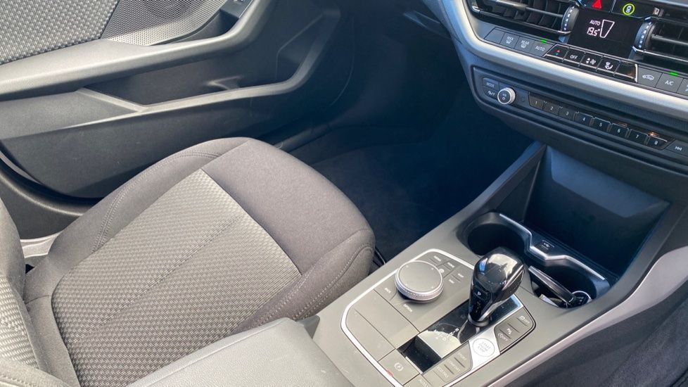 Image 20 - BMW 118i SE (CX20JXW)
