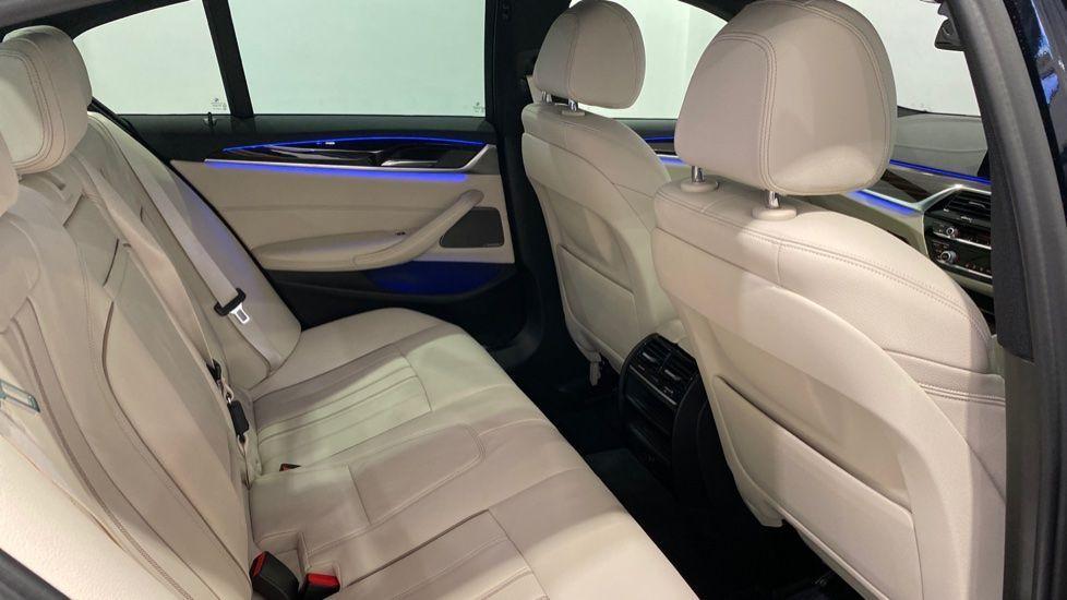 Image 11 - BMW 530e M Sport iPerformance Saloon (YD68YVA)
