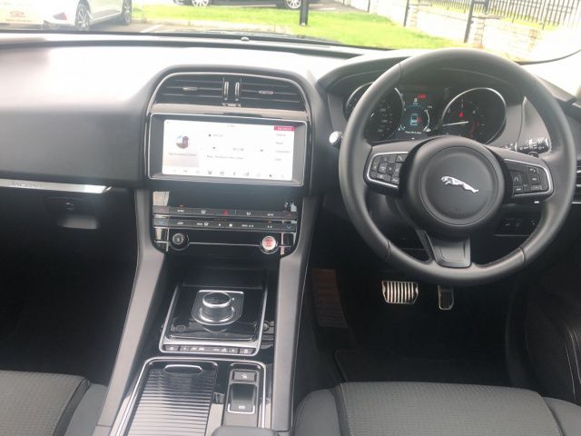 Used Jaguar F-PACE 2.0 D AWD PURE AUTO (2019 (191))