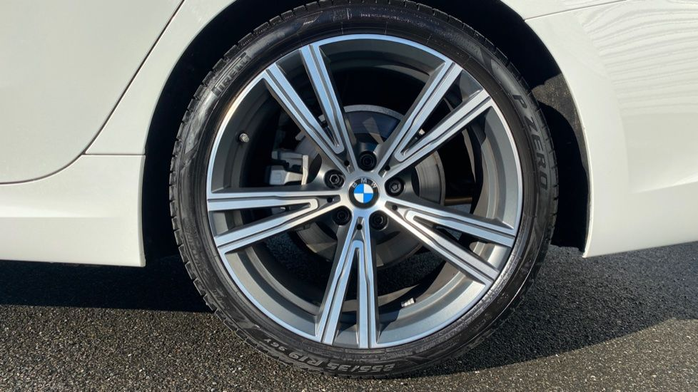 Image 14 - BMW 320i M Sport Touring (YG20DHF)
