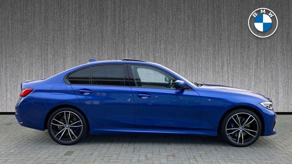Image 3 - BMW 330e M Sport Saloon (YH69DJD)
