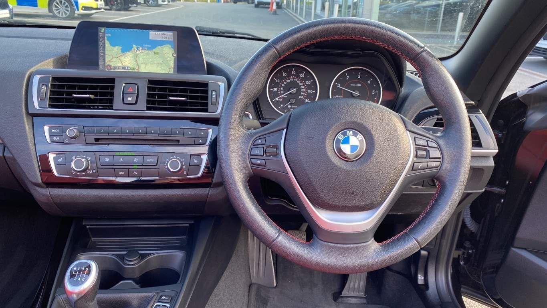 Image 5 - BMW 218d Sport Convertible (MJ17EAY)