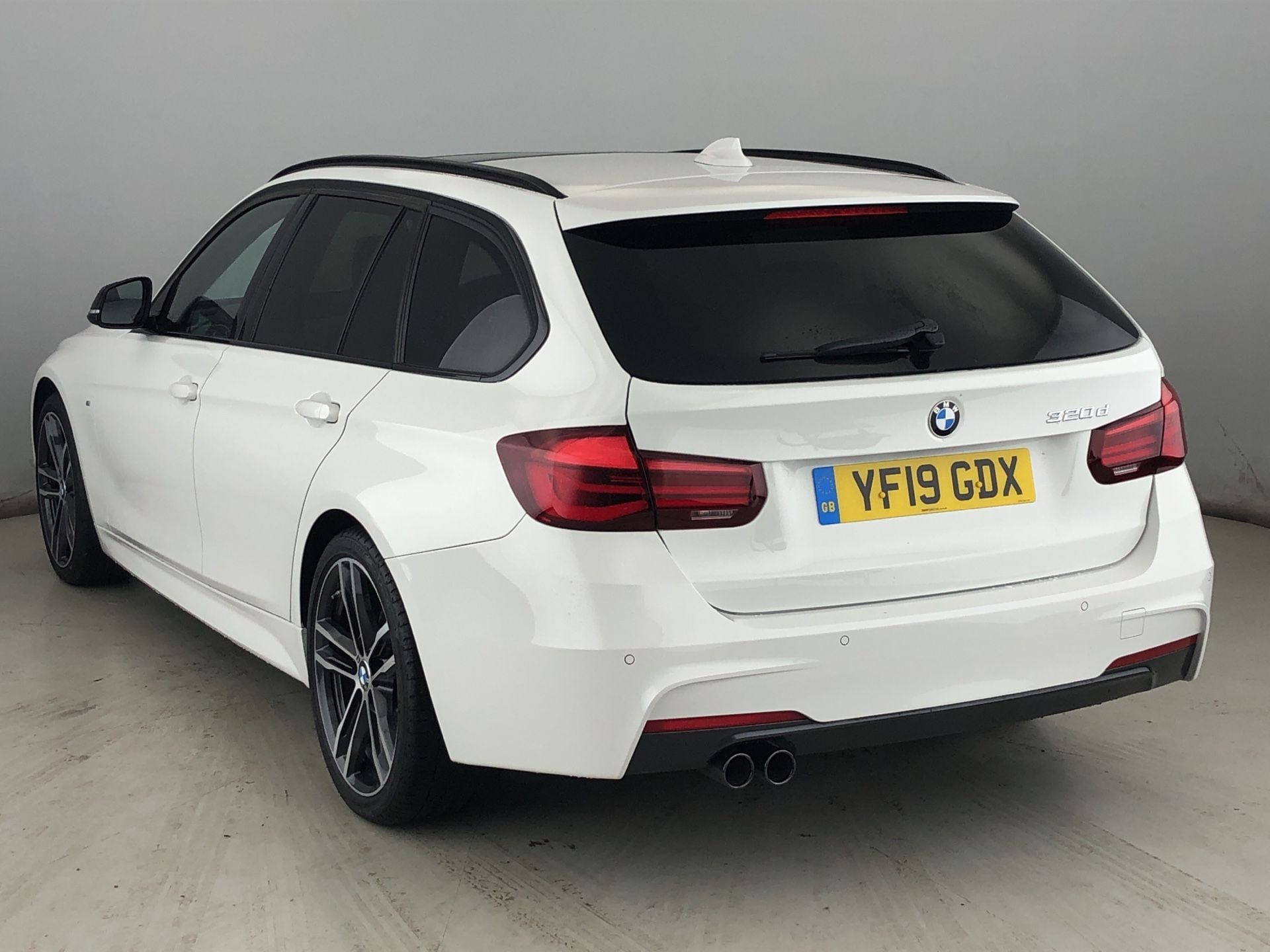 Image 2 - BMW 320d M Sport Shadow Edition Touring (YF19GDX)