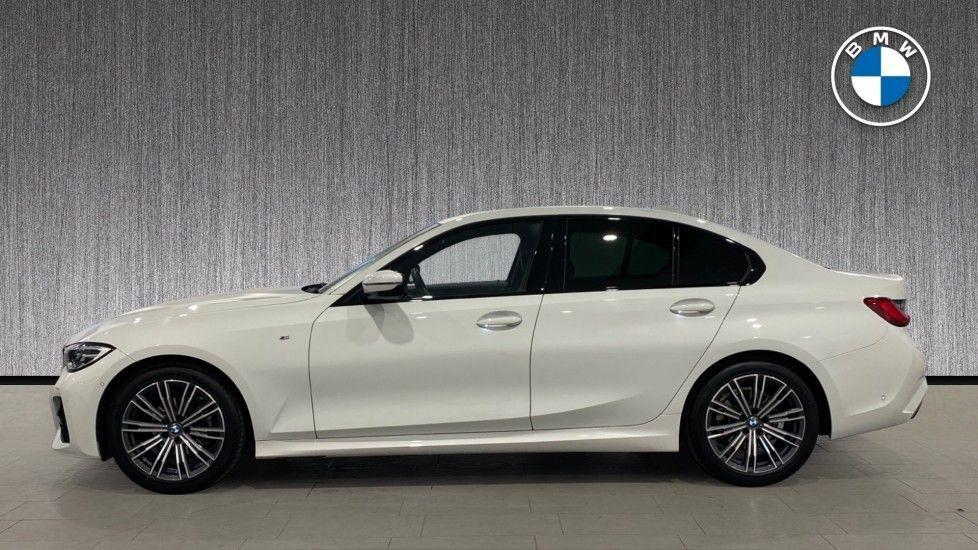 Image 3 - BMW 318d M Sport Saloon (YB69WNC)