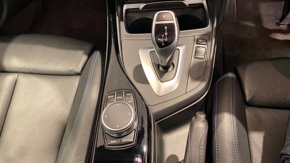 Image 6 - BMW 120d M Sport Shadow Edition 5-door (PO19WSY)