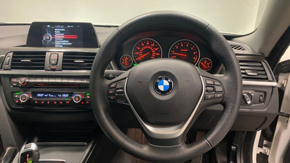 Image 5 - BMW 420i xDrive SE Coupe (PE17MVF)