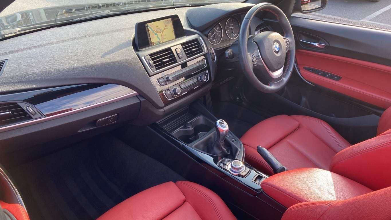 Image 7 - BMW 218d Sport Convertible (MJ17EAY)