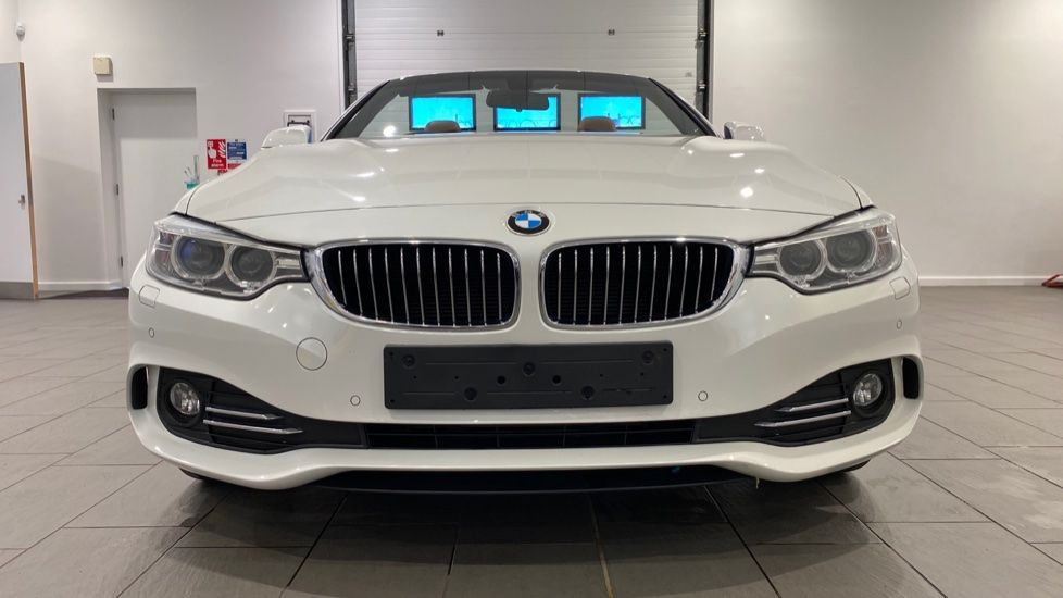 Image 16 - BMW 420d Luxury Convertible (YG14TXK)