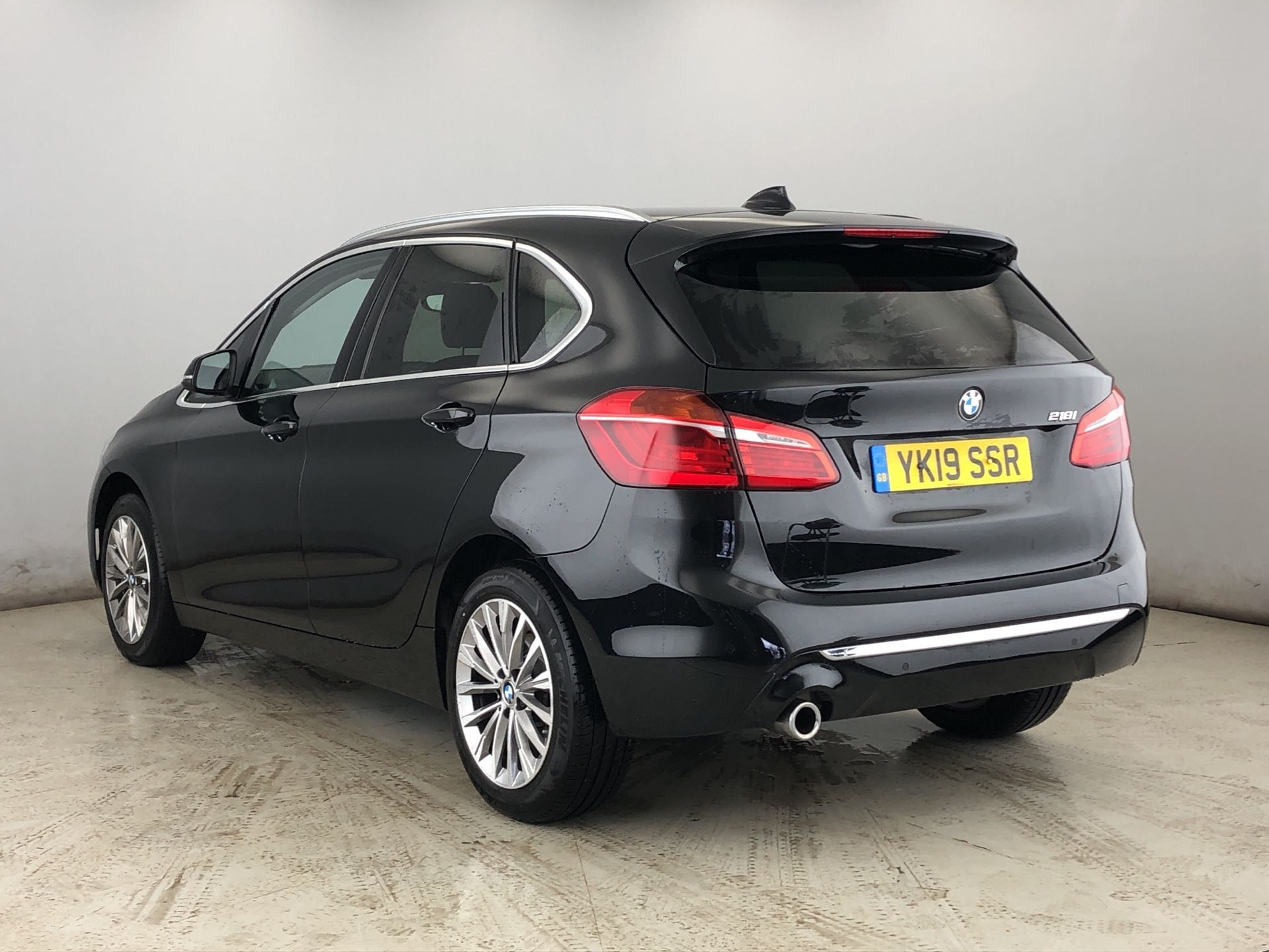 Image 2 - BMW 218i Luxury Active Tourer (YK19SSR)