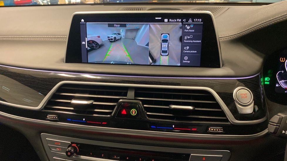 Image 35 - BMW 745Le xDrive M Sport Saloon (YG20OWX)