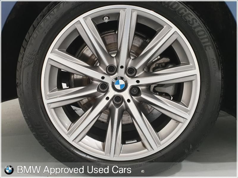 Used BMW 5 Series 520i SE Saloon (2019 (191))