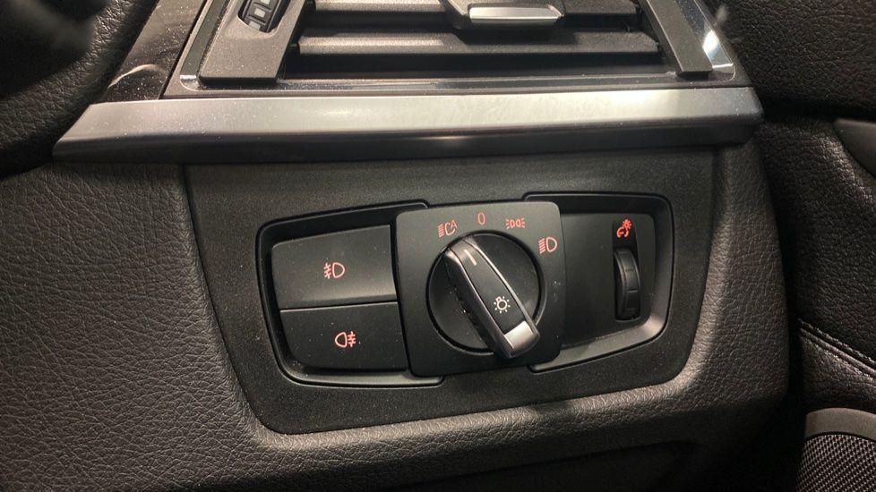 Image 28 - BMW 420i xDrive SE Coupe (PE17MVF)