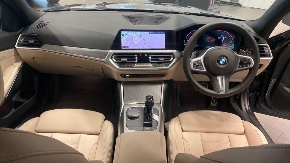 Image 4 - BMW 320i M Sport Touring (YG20JLV)