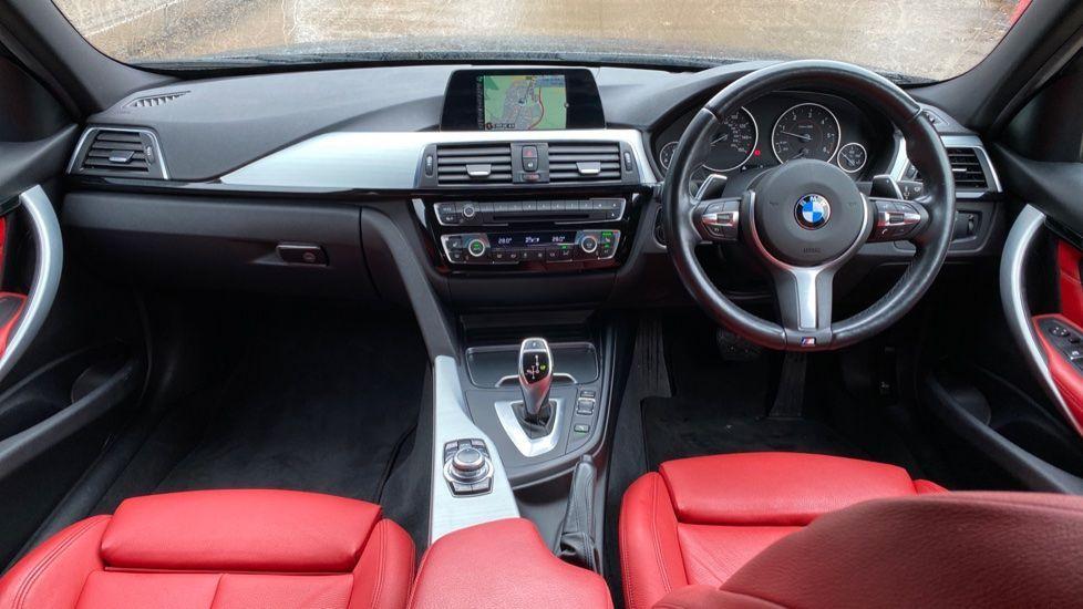 Image 4 - BMW 330d xDrive M Sport Saloon (MJ16GGX)