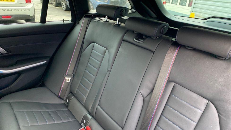 Image 12 - BMW 330e M Sport Touring (MA70HOH)