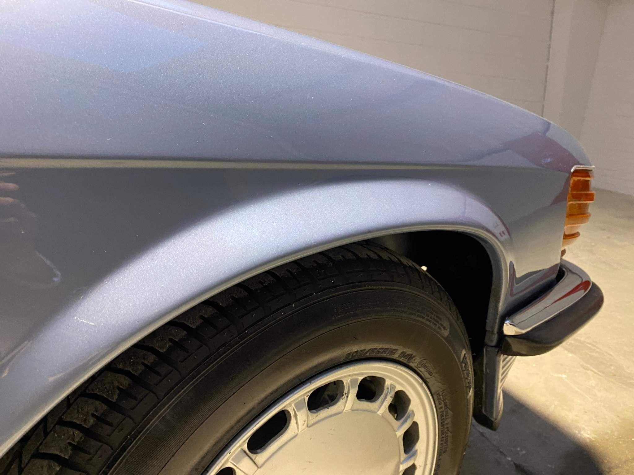 Mercedes-Benz 380 Images