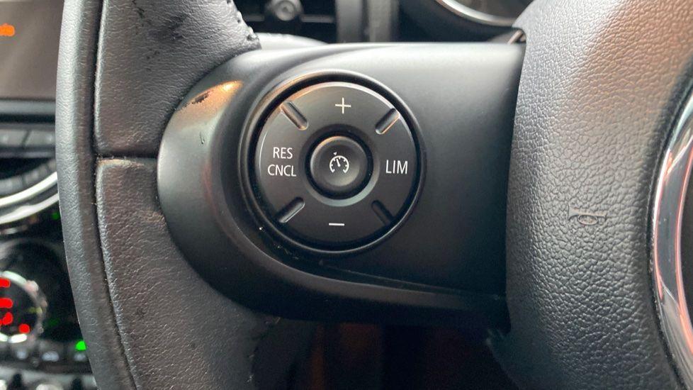 Image 24 - MINI Hatch (DE17KMA)