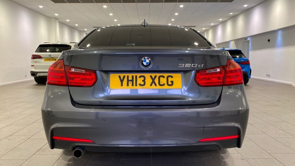 Image 15 - BMW 320d M Sport Saloon (YH13XCG)